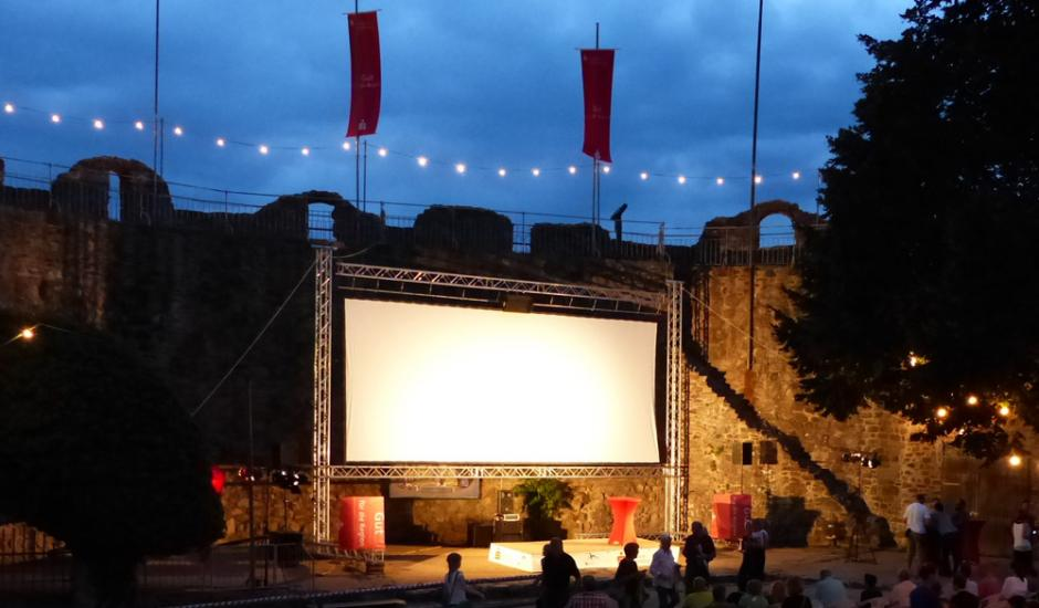 Cinema on the road - castle